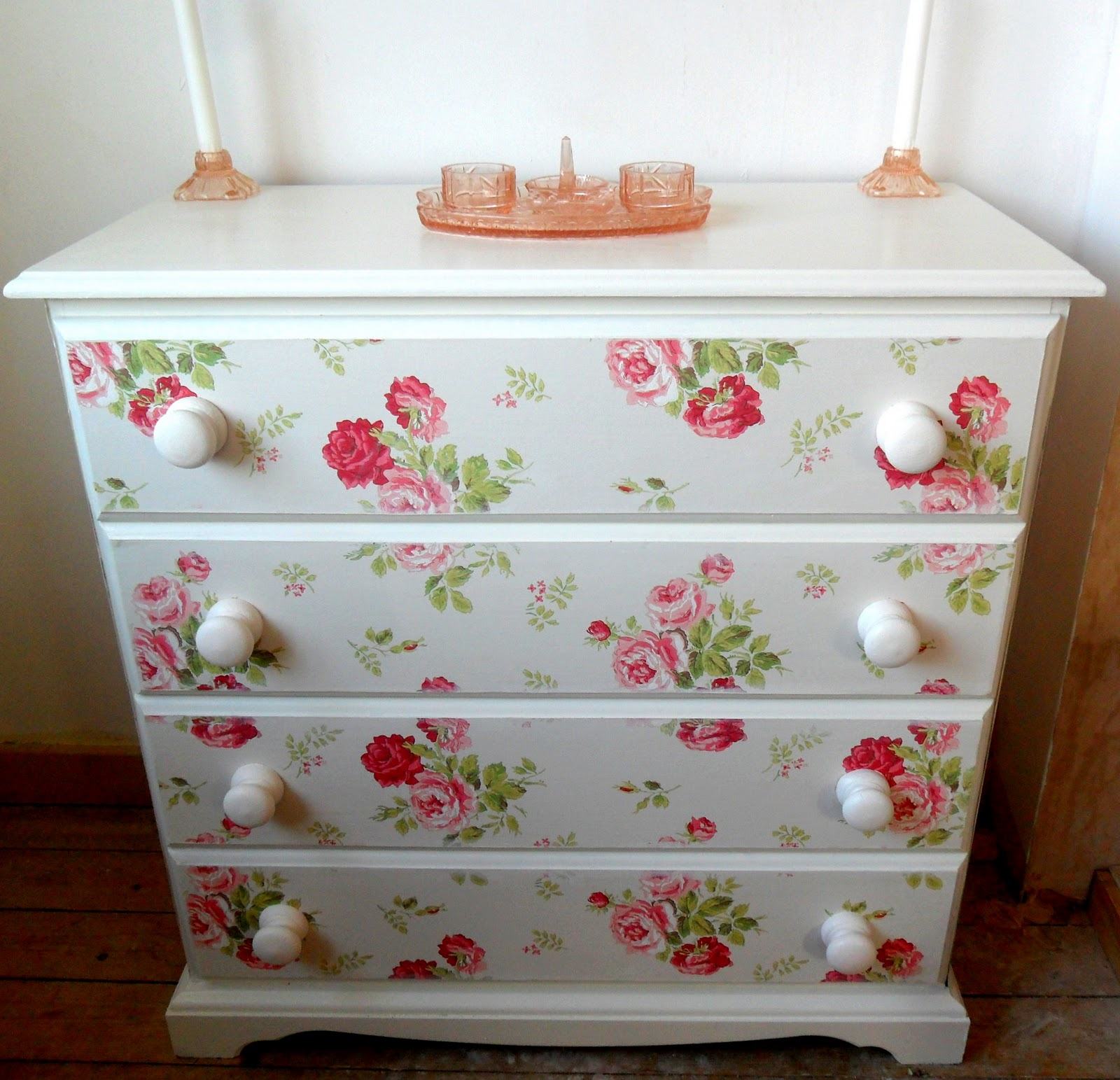 Easy vintage style drawers tutorial tots 100 - Papel para decorar muebles ...