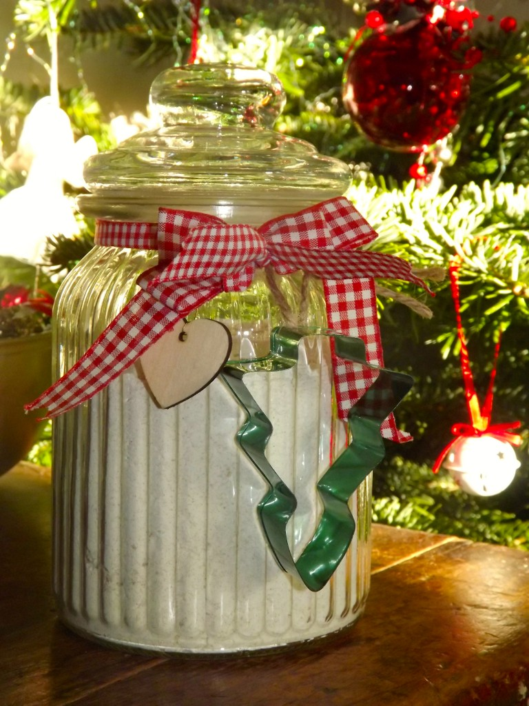 home made gingerbread mix in a jar