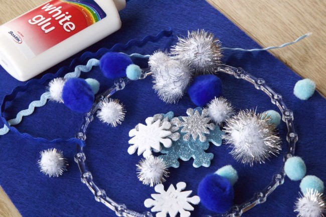 Invitation-to-Create-Pom-Pom-wreath1