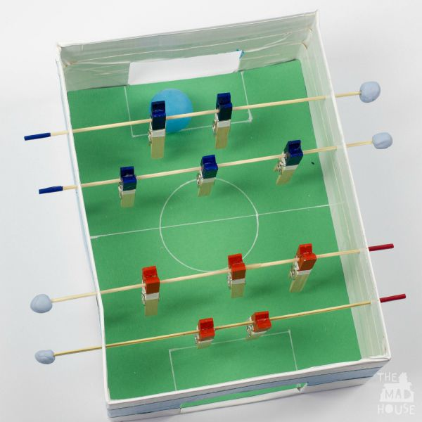 Five seasonal craft activities tots 100 for Football crafts for preschoolers