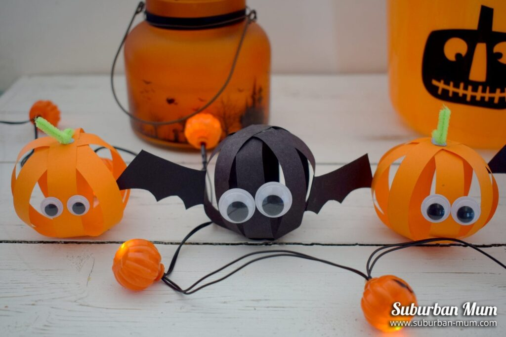 Halloween Paper Ball Bats & Pumpkins from Suburban Mum